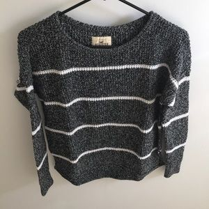 Hollister Sweater in perfect condition!!!